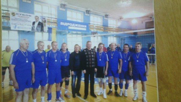 Красноармейские ветераны-волейболисты стали первыми в турнире по волейболу (фото) - фото 2