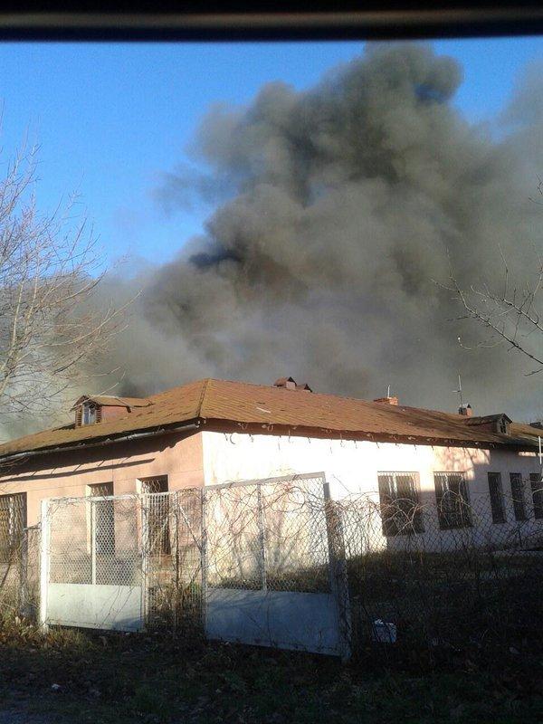 У Львові горить колишнє приміщення дитячого садочка. Опубліковано фото (фото) - фото 1