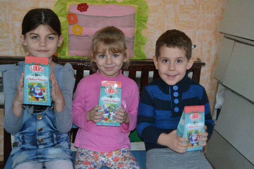 Деды Морозы Артемовска-Бахмута подарили детям радость, фото-2