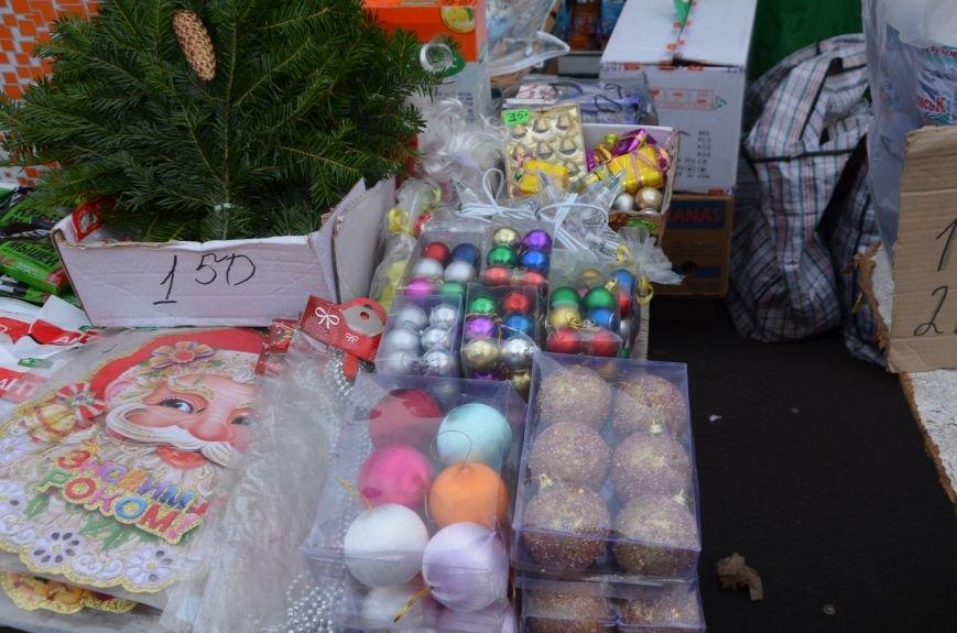 Мариупольцы раскупают елочные украшения (ФОТО), фото-2