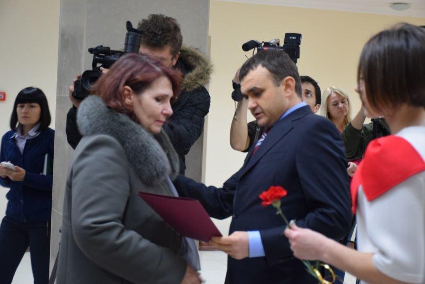 """""""Эти ордера - обязанность государства перед героями"""", -  семьи погибших бойцов получили квартиры в Николаеве (ФОТОРЕПОРТАЖ), фото-1"""