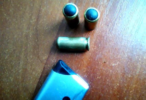 На залізничному вокзалі у Полтавській області затримали чоловіка напідпитку зі зброєю (фото) - фото 1