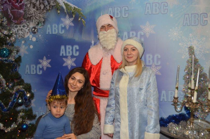 Начало новогодним чудесам положено: в Школе Иностранных Языков ABC прошел первый праздничный утренник! (фото) - фото 9