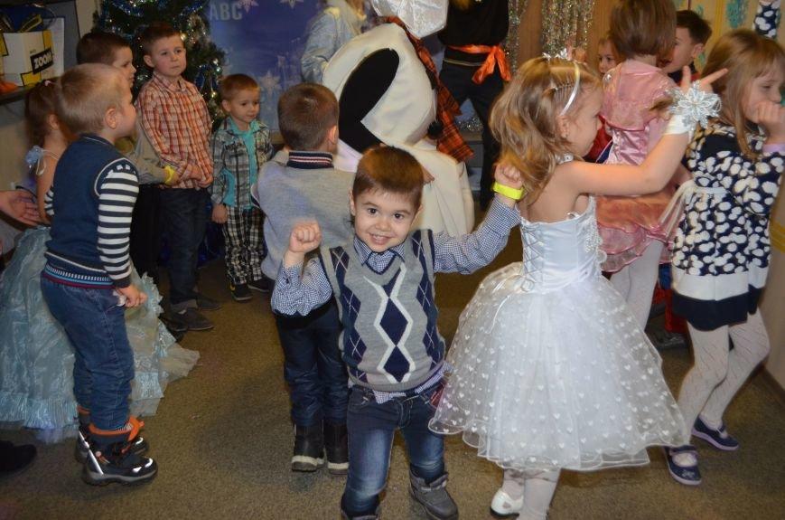 Начало новогодним чудесам положено: в Школе Иностранных Языков ABC прошел первый праздничный утренник! (фото) - фото 11