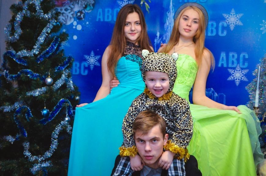 Начало новогодним чудесам положено: в Школе Иностранных Языков ABC прошел первый праздничный утренник! (фото) - фото 3