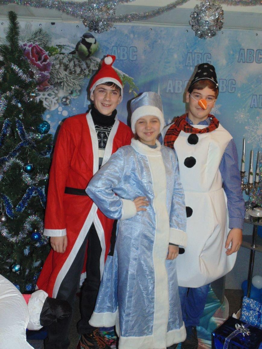 Начало новогодним чудесам положено: в Школе Иностранных Языков ABC прошел первый праздничный утренник! (фото) - фото 8
