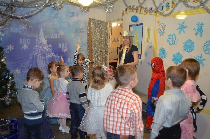 Начало новогодним чудесам положено: в Школе Иностранных Языков ABC прошел первый праздничный утренник! (фото) - фото 13