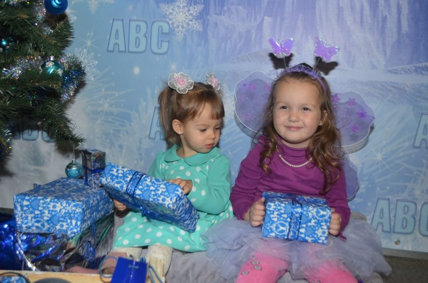 Начало новогодним чудесам положено: в Школе Иностранных Языков ABC прошел первый праздничный утренник! (фото) - фото 15