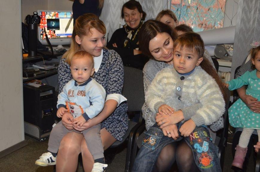 Начало новогодним чудесам положено: в Школе Иностранных Языков ABC прошел первый праздничный утренник! (фото) - фото 12
