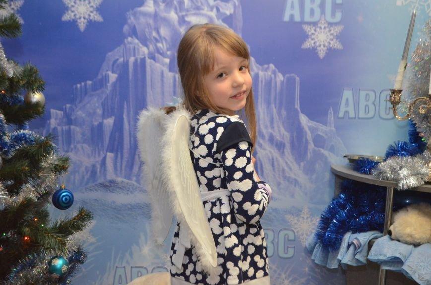 Начало новогодним чудесам положено: в Школе Иностранных Языков ABC прошел первый праздничный утренник! (фото) - фото 18