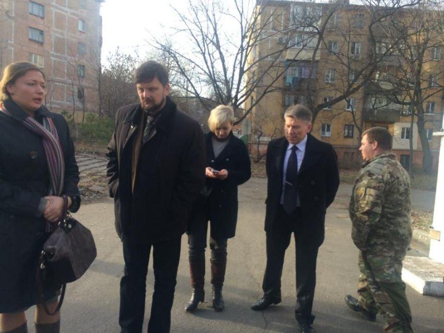 """Жители Коминтерново находятся в заложниках  у """"ДНР"""", им не дают подходить к окнам,- волонтеры (ФОТО, ВИДЕО), фото-4"""