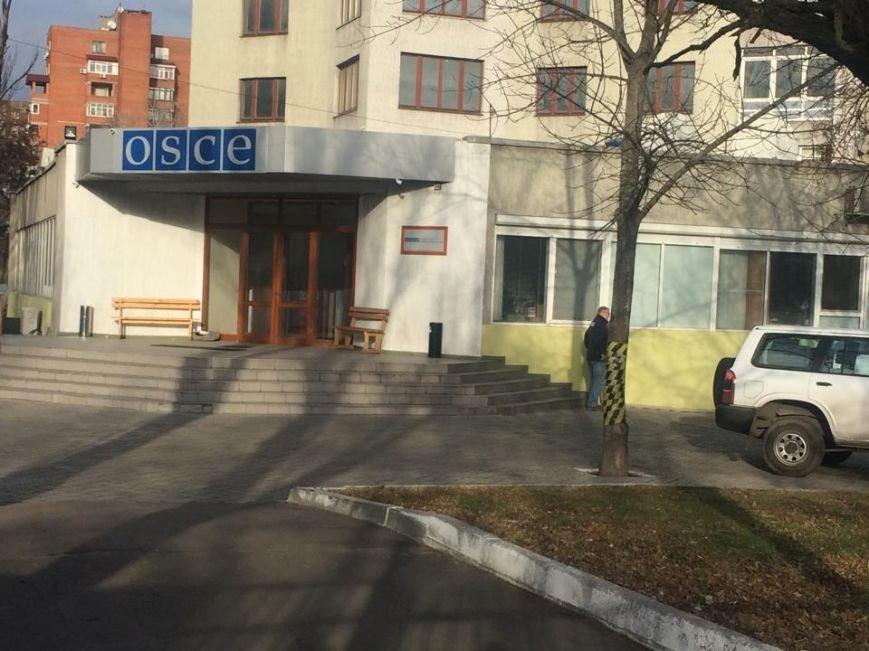 """Жители Коминтерново находятся в заложниках  у """"ДНР"""", им не дают подходить к окнам,- волонтеры (ФОТО, ВИДЕО), фото-2"""