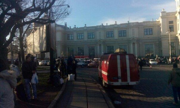 У Львові шукають вибухівку на Головному залізничному вокзалі (ФОТО) (фото) - фото 1