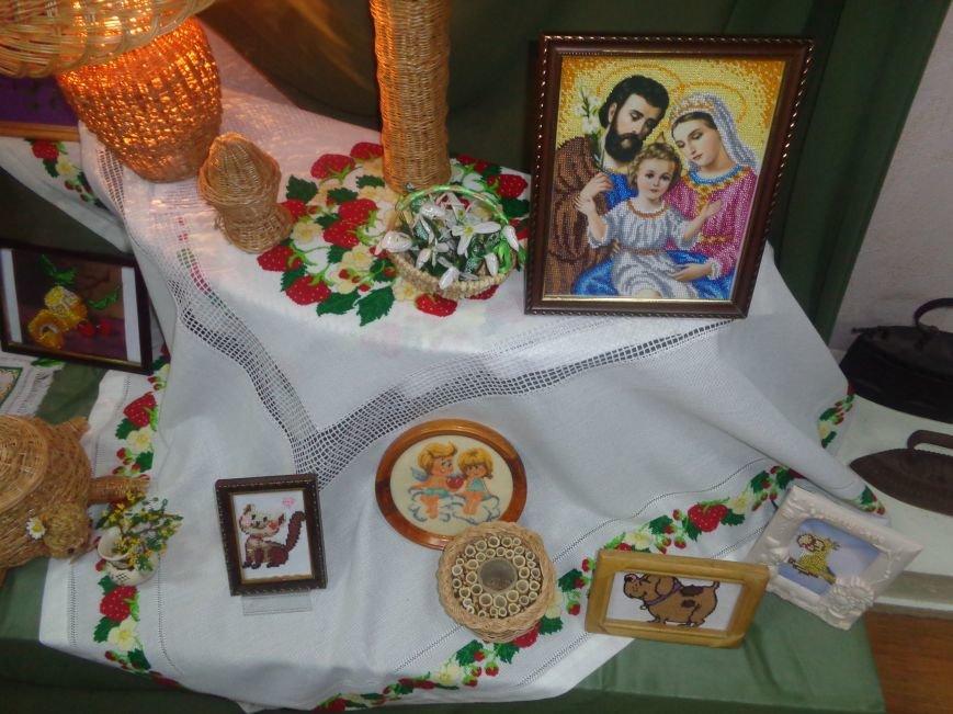 В Красноармейском историческом музее презентовали оригинальную выставку «Новогодние подарки» (фото) - фото 17