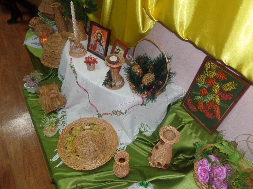 В Красноармейском историческом музее презентовали оригинальную выставку «Новогодние подарки» (фото) - фото 3