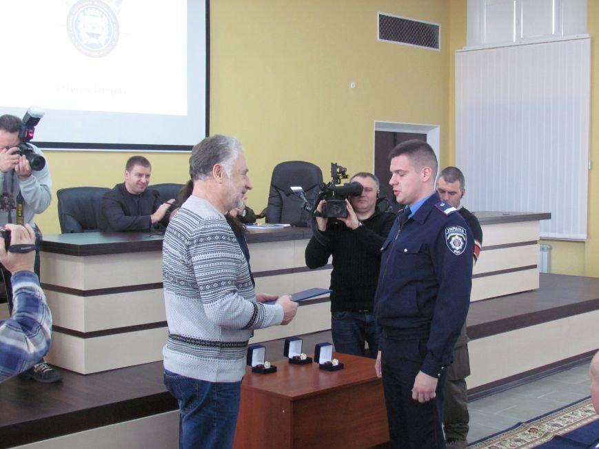 Жебривский пообещал полицейским в Мариуполе 15 миллионов гривен и подарил часы Аброськину (ФОТО+ВИДЕО), фото-5