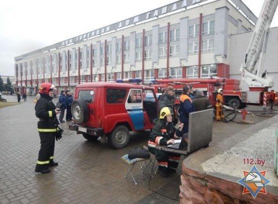 Пожар в новополоцком общежитии оказался учениями МЧС (фото) - фото 2
