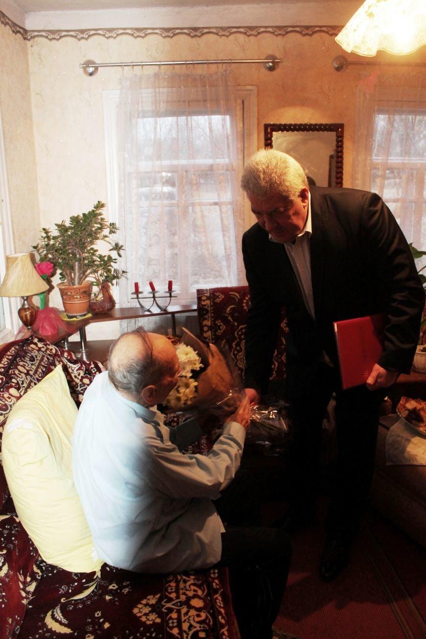 Почетный гражданин Артемовска-Бахмута принимал поздравления с юбилеем, фото-1