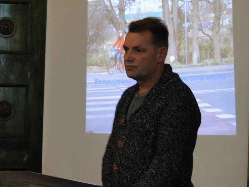 На розвиток велоінфраструктури у Хмельницькому впливатимуть велосипедисти (Фото, Відео) (фото) - фото 1