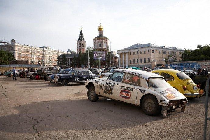 Более сотни классических автомобилей остановятся в Полоцке в рамках ретро-ралли «Пекин — Париж — 2016» (фото) - фото 4