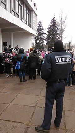 В Кривом Роге полиция охраняет