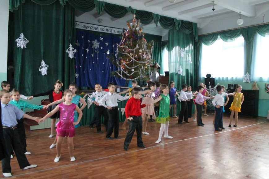 Дети-сироты получили подарки от предприятий Артемовска-Бахмута, фото-4