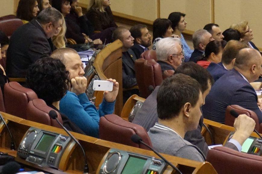 Закон обязывает Юрия Вилкула получать 14 тысяч гривен зарплаты  (ФОТО) (фото) - фото 1