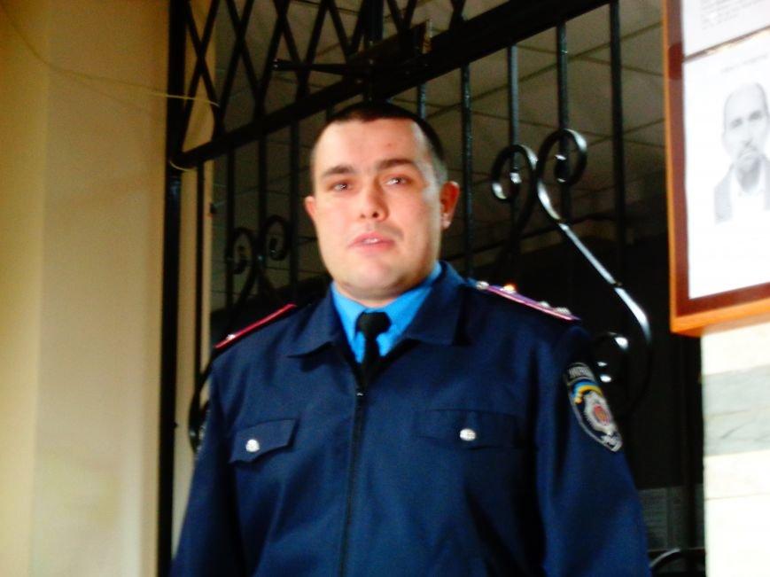 Днепропетровцев сводили на экскурсию в отделение полиции (ФОТО, ВИДЕО) (фото) - фото 2