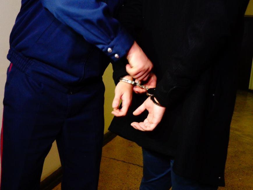 Днепропетровцев сводили на экскурсию в отделение полиции (ФОТО, ВИДЕО) (фото) - фото 3