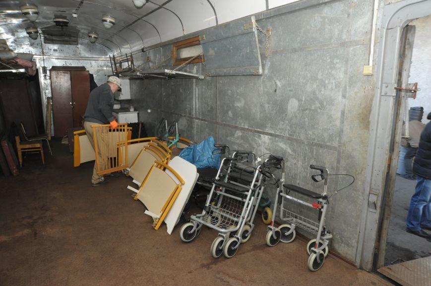 """""""Укрзалізниця"""" предоставила багажный вагон для перевозки медицинского оборудования для участников АТО, фото-1"""