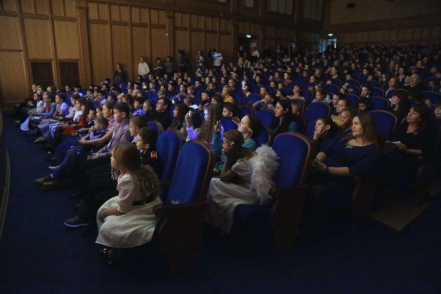 В столице Коми прошли новогодние торжества для одаренных детей, фото-1