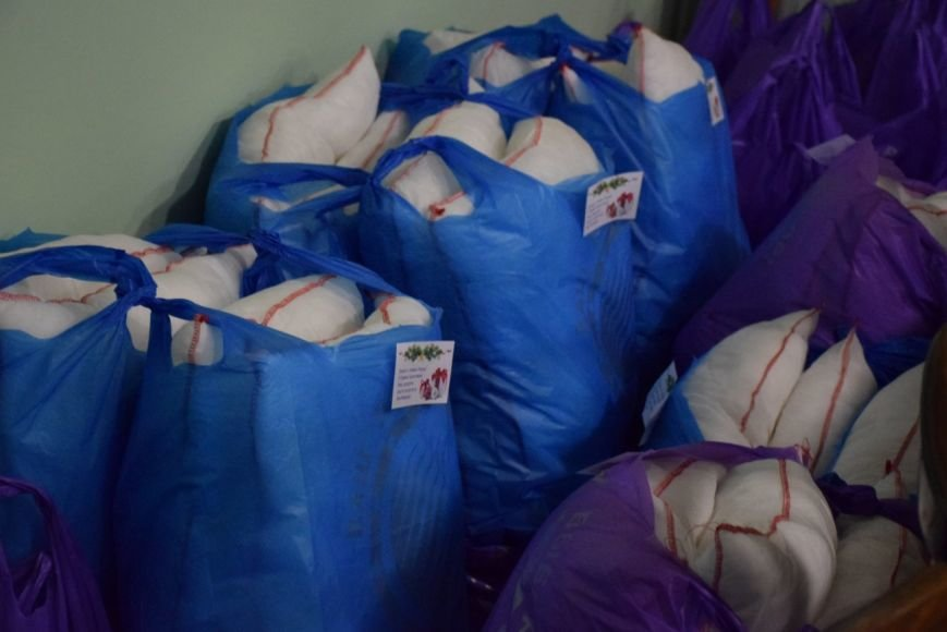 В Николаеве маленькие беженцы из зоны АТО получили подарки к Новому году (ФОТО) (фото) - фото 1