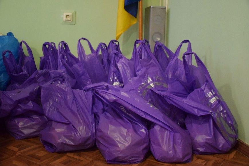В Николаеве дети-переселенцы из зоны АТО получили подарки к Новому году (ФОТО), фото-3