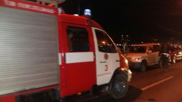 В Днепропетровске полиция перекрыла движение на Новом мосту (ФОТО) (фото) - фото 1