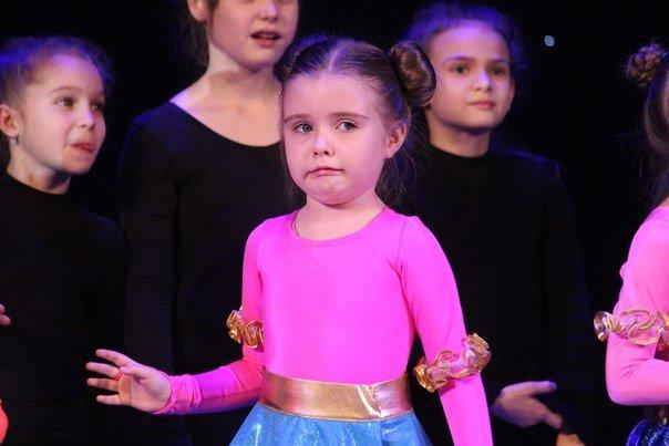 В Днепропетровске 6 летние детки провели новогодний концерт (ФОТО) (фото) - фото 1