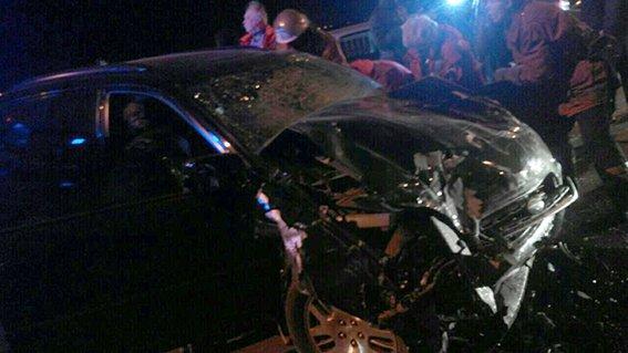 В Днепропетровске вследствие ДТП на Новом мосту погибли 2 человека (фото) - фото 1