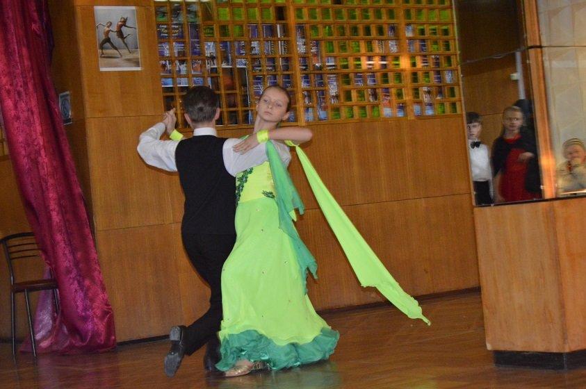 Юные артисты Гаспры и Кореиза в санатории «Родина» дарили зрителю танцевально – музыкальное «Новогоднее ассорти», фото-1