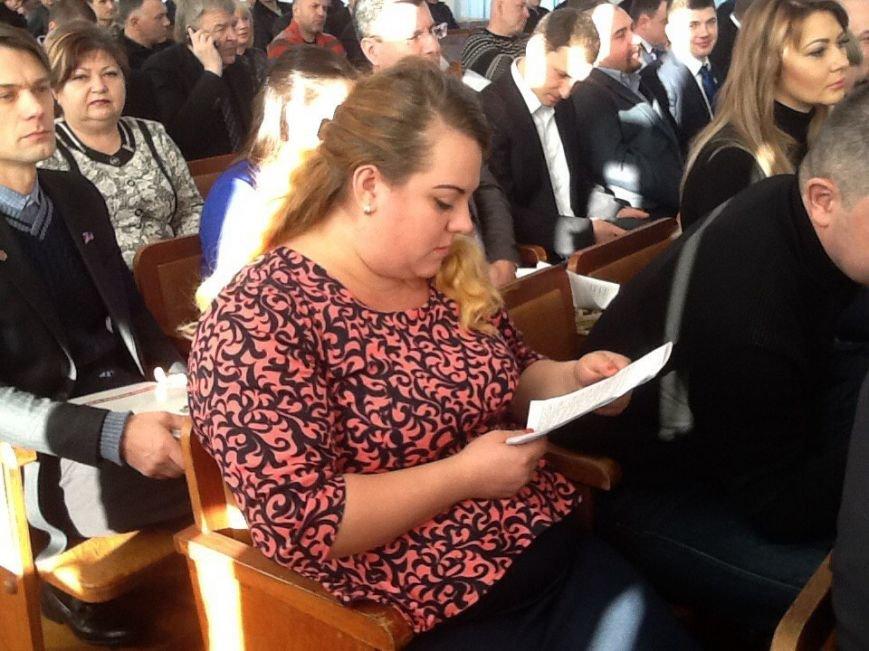В Днепродзержинске представили новых депутатов горсовета (фото) - фото 1