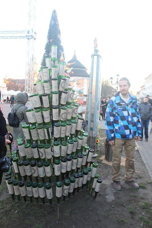«Еко-ялинки» розмістились на площі Польський ринок Кам'янця (Фото) (фото) - фото 4