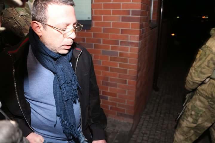 Геннадия Корбана в сопровождению правоохранителей доставили в Киеве (фото) - фото 4