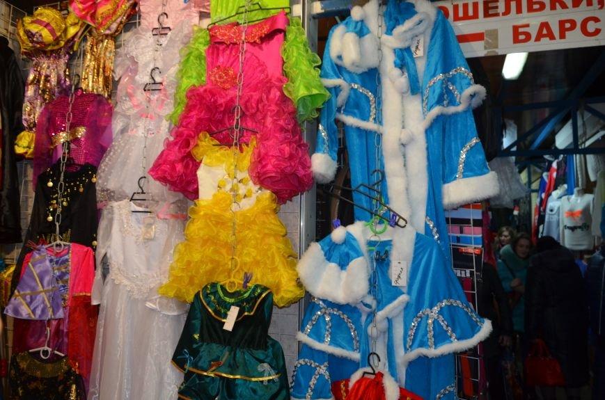 Мариупольцы на Новый год оденут костюмы обезьяны и Мальвины (ФОТО), фото-6