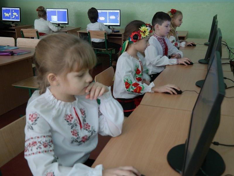 Новий комп'ютерний клас у школі №4 оглянув черкаський мер (ФОТО), фото-3