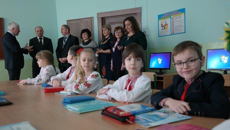 Новий комп'ютерний клас у школі №4 оглянув черкаський мер (ФОТО), фото-5