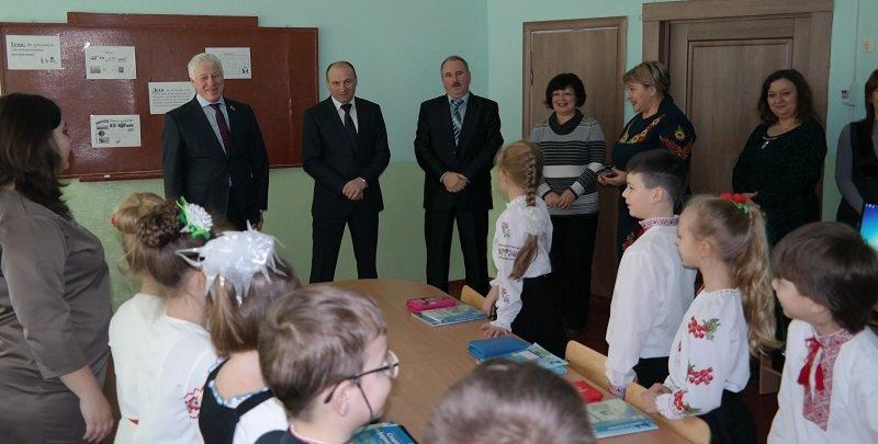 Новий комп'ютерний клас у школі №4 оглянув черкаський мер (ФОТО), фото-1
