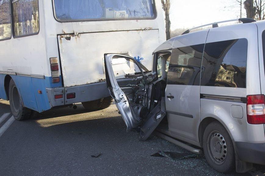 В Днепродзержинске на проспекте Юбилейном произошло ДТП с участием легкового авто и автобуса, фото-6