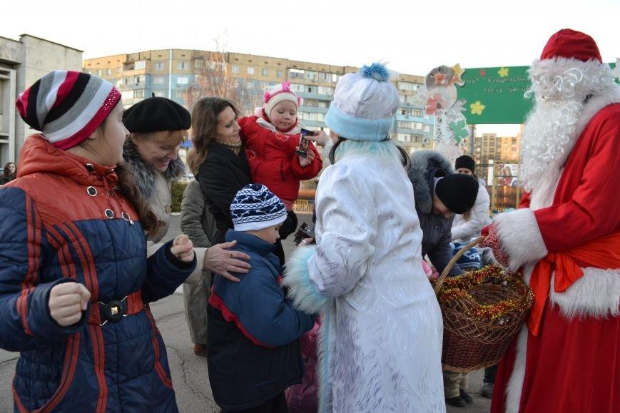 На левобережье Днепродзержинска открылась районная новогодняя елка, фото-5