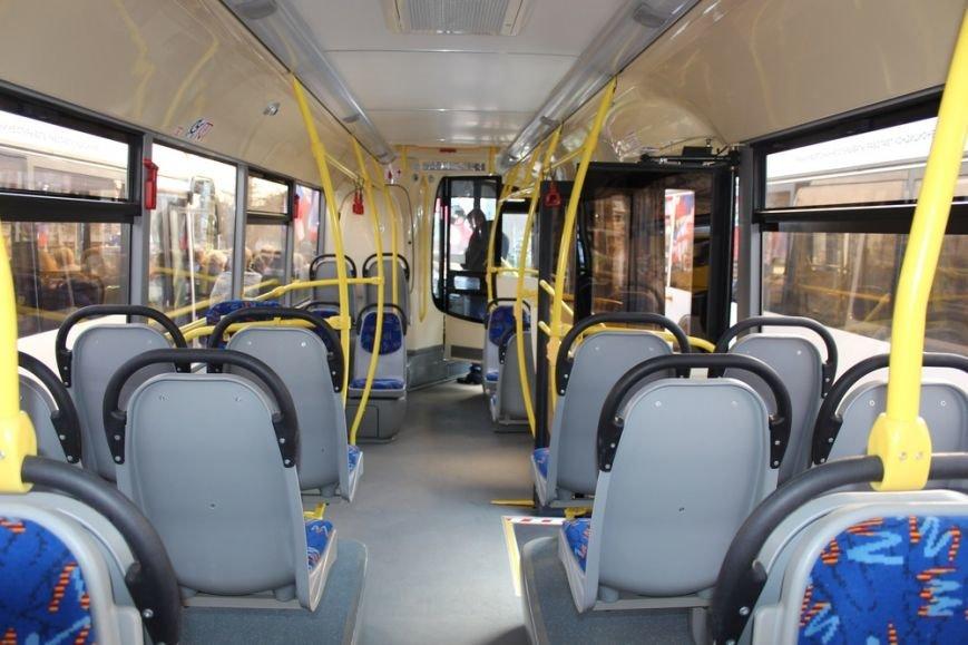 Симферополь получил современные низкопольные автобусы, оснащенные видеокамерами и микролифтами (ФОТО) (фото) - фото 6