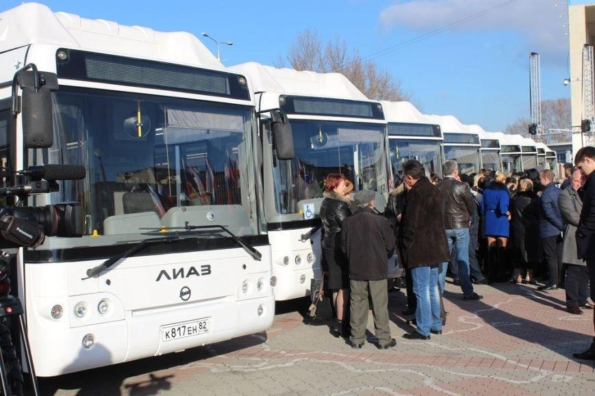 Симферополь получил современные низкопольные автобусы, оснащенные видеокамерами и микролифтами (ФОТО) (фото) - фото 4