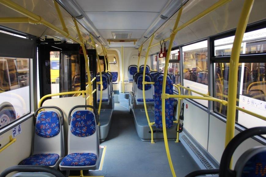 Симферополь получил современные низкопольные автобусы, оснащенные видеокамерами и микролифтами (ФОТО) (фото) - фото 5
