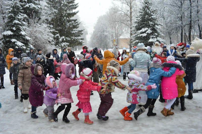 В Ульяновске прошли первые новогодние мероприятия: фотоотчет, фото-5